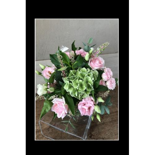 Bouquet rond tons rose selon choix de fleurs disponible en magasin